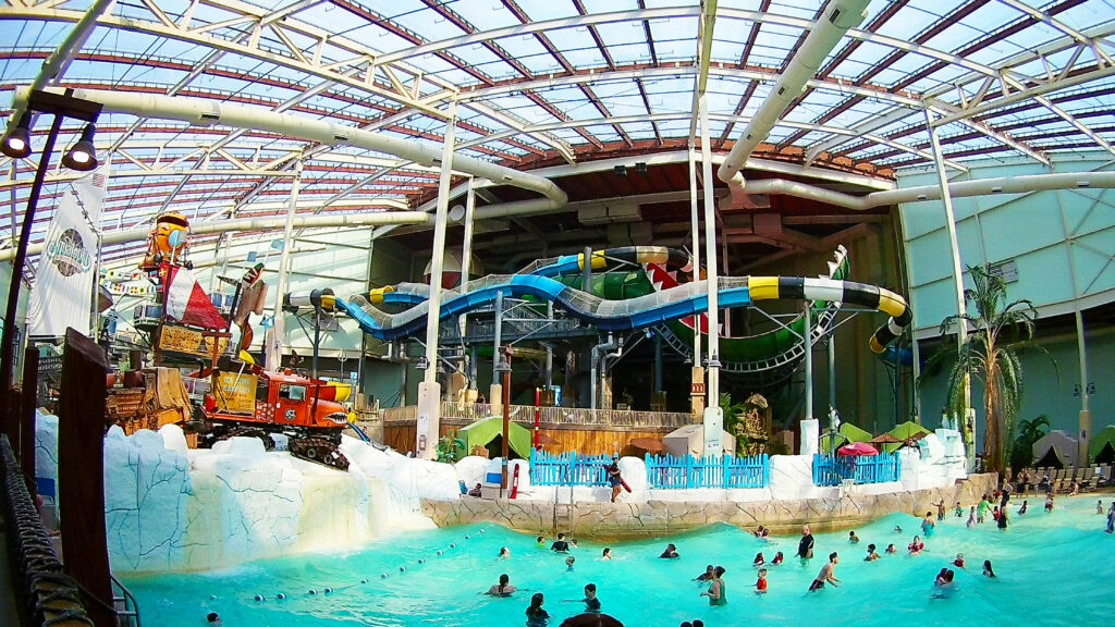 Overview of an Indoor Waterpark we visited in the Winter